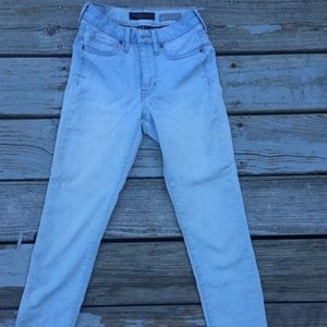 light wash high waisted jeggings